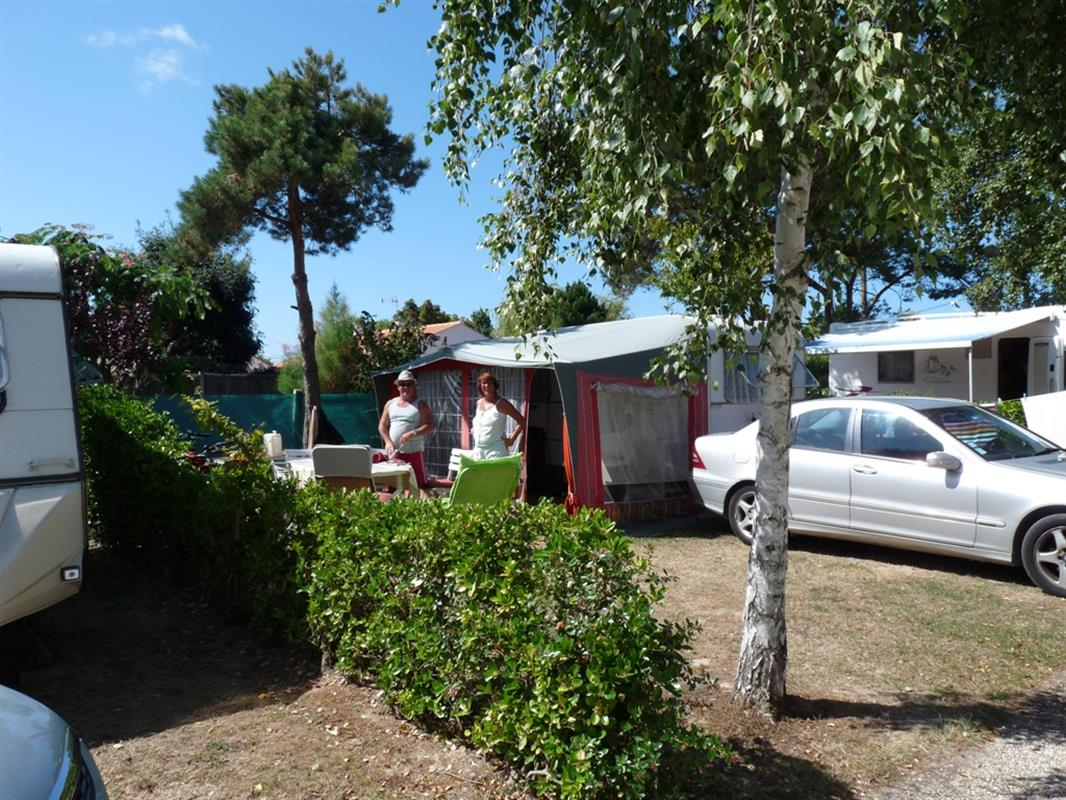 Emplacements camping emplacement camping caravaning for Camping en espagne bord de mer avec piscine